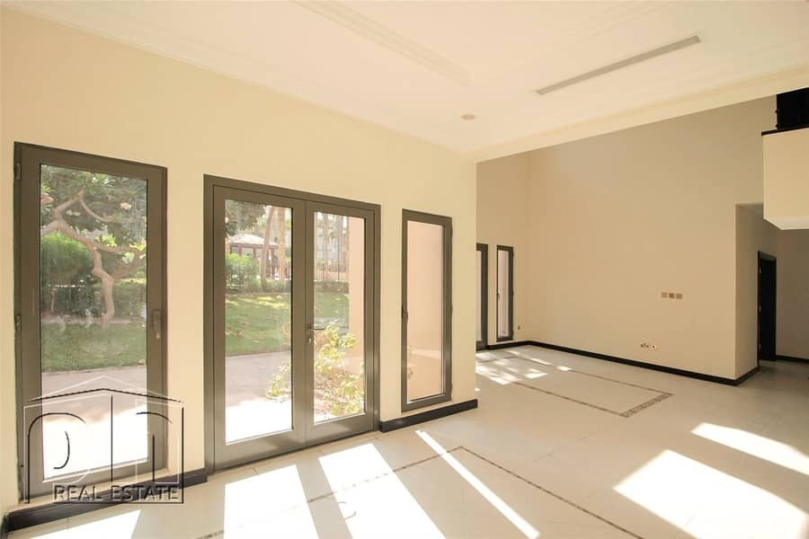 2 Spacious Townhouses - Roof Terrace