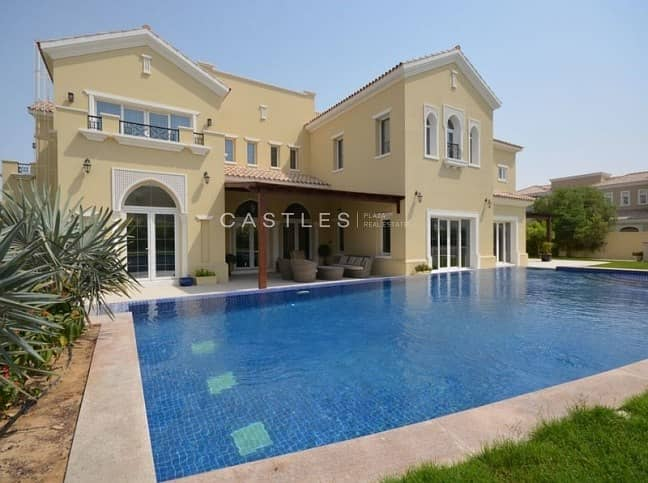 Spacious 7 bed+maids+drivers in Polo Homes
