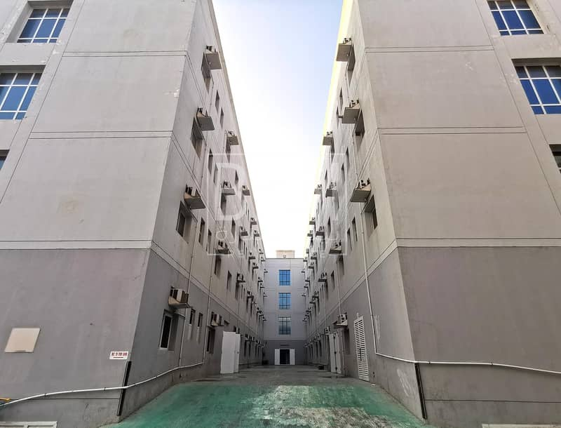 10 8 Person Capacity | AED 425 Per Person | Near Al Khail Mall