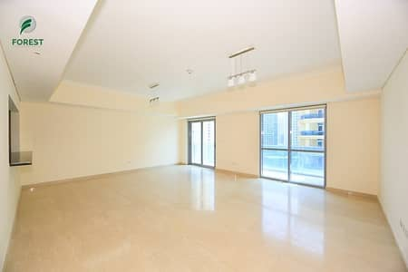 2 Bedroom Apartment for Sale in Dubai Marina, Dubai - Huge 2 Bedroom with Maids Room with 2 Parking Slot
