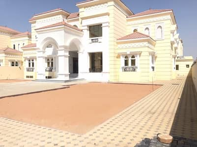 amazing villa brand new for rent at alkhawanij 5 master bedroom with service block