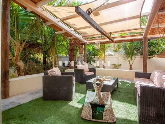 Stunning Eclectic 5 Bedroom Villa