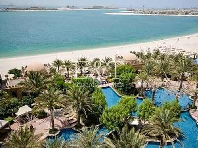 2 Bedroom Apartment for Sale in Palm Jumeirah, Dubai - Sea And Pool View | Mid Floor | Tenanted | PJ