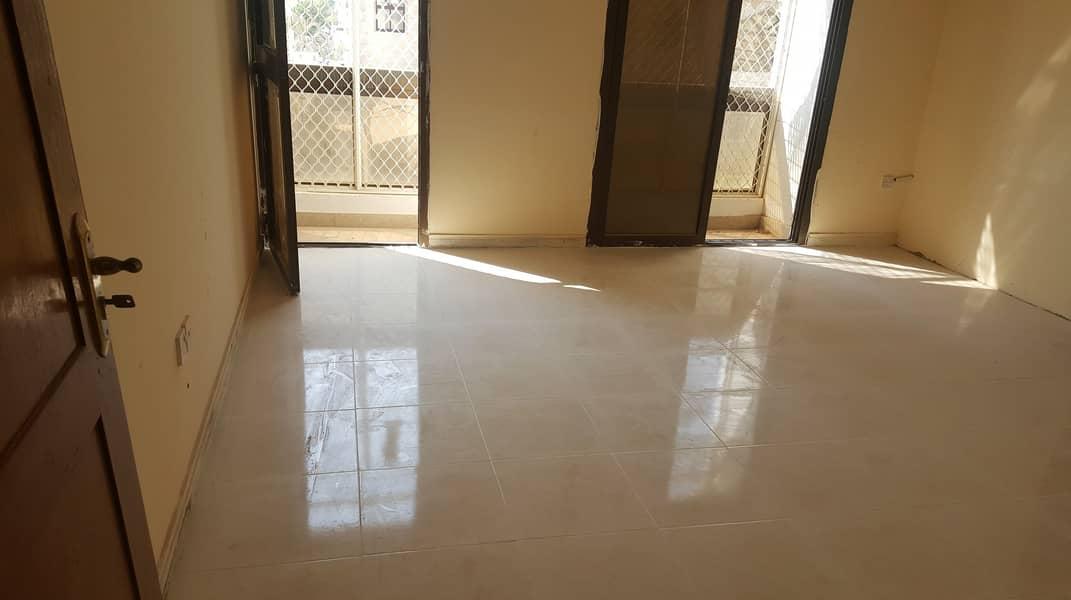 شقة في شارع المرور المرور 28000 درهم - 4372093