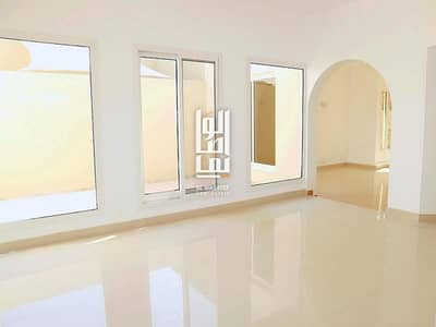 3 Bedroom Villa for Rent in Jumeirah, Dubai - Spacious 3 Bed Upgraded villa  Garden and  shared pool & Gym