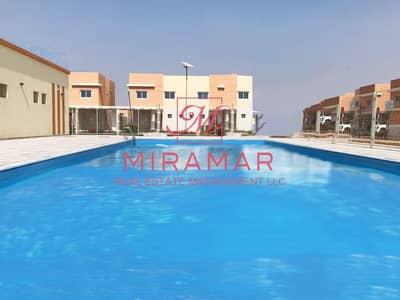 فیلا في منازل الريف 2 السمحة 3 غرف 70000 درهم - 4375883