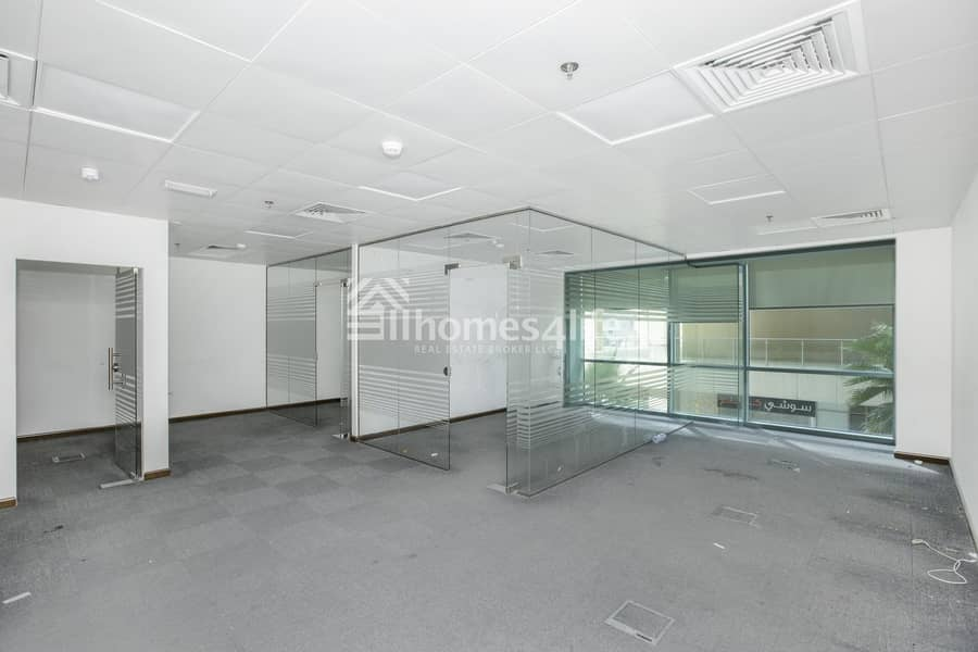 2 Elegant Fully Fitted Office I 4 Parking Spaces