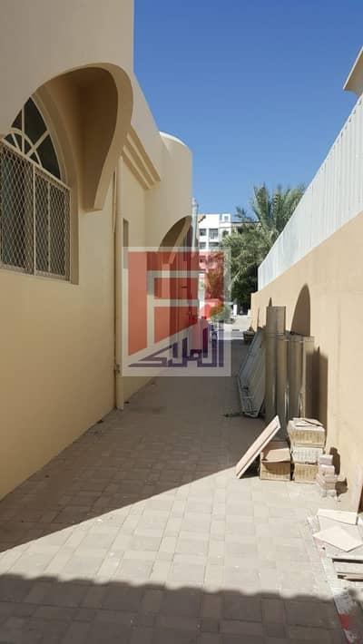 فیلا 2 غرفة نوم للايجار في الروضة، عجمان - 2 BHK Huge Commercial/ Residential Villa available in Al Rawda 2