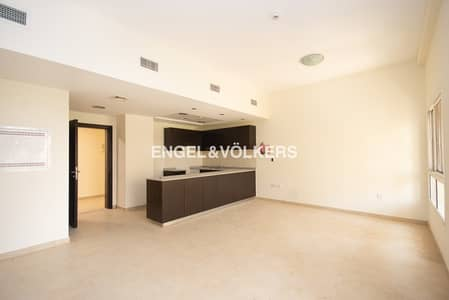 2 Bedroom Apartment for Rent in Remraam, Dubai - Open Kitchen   Ready to Move- In   Spacious