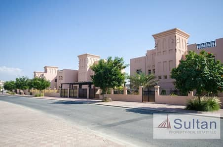 5 Bedroom Villa for Sale in Al Hamra Village, Ras Al Khaimah - Extraordinary Beach Front Huge Villa