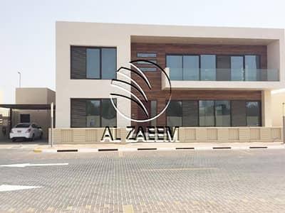 فیلا 6 غرفة نوم للايجار في المقطع، أبوظبي - فیلا في المقطع 6 غرف 270000 درهم - 4378473