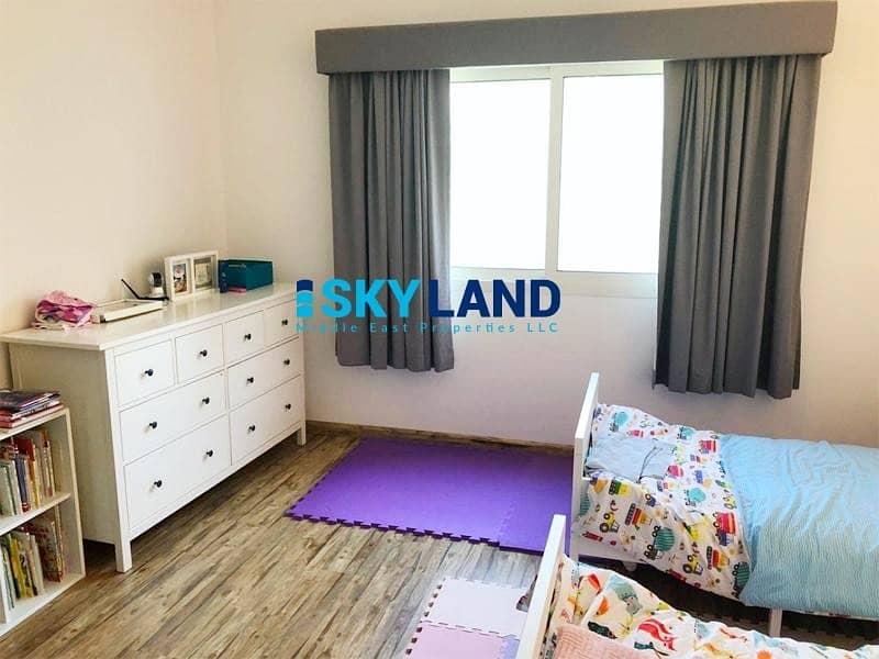 2 Upgraded Kitchen | Landscaped Garden | Laundry Room