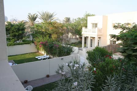 3 Bedroom Townhouse for Rent in The Lakes, Dubai - Stunning 3 Bed Townhouse | Upgraded |