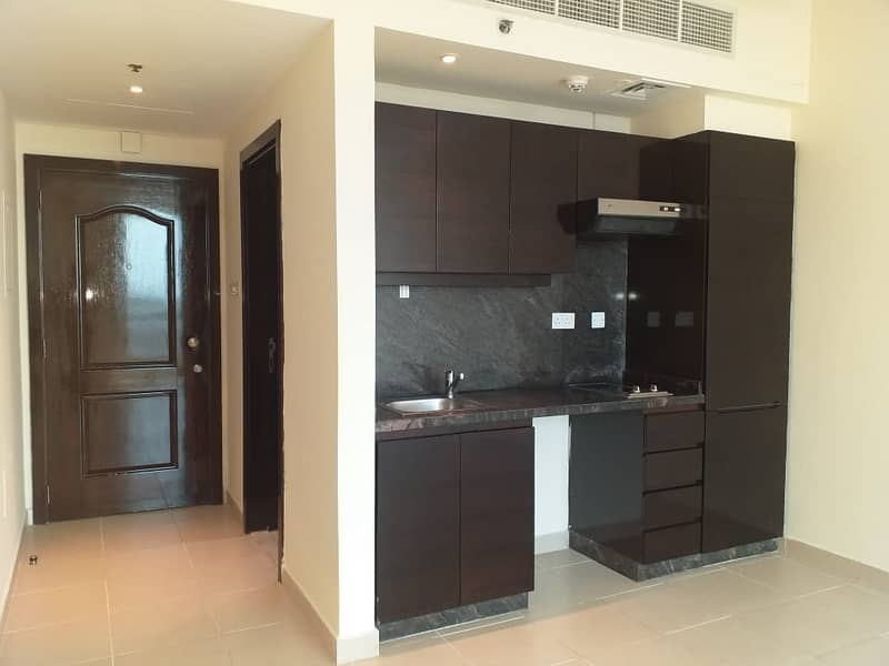 15 Studio: only 38k with Marina View