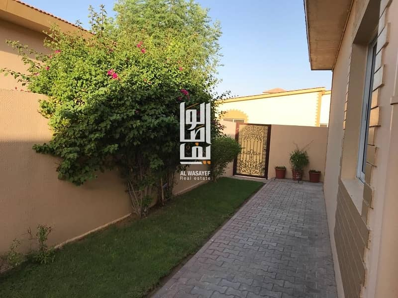 12 WESOME 3 BR SINGLE STORY VILLA WITH PRIVATE GARDEN