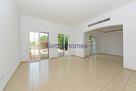 3 Bedroom Villa for Sale in The Lakes, Dubai - Investment Deal more than 7% ROI I Rented until April 2020