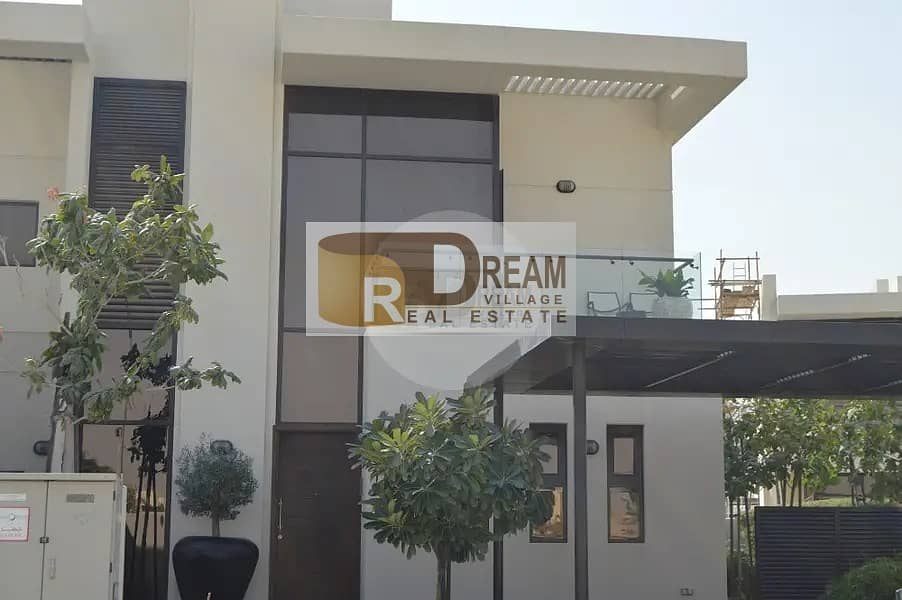 Freehold luxury villa 4 rooms ready delivery in Dubai in 24% installment and without commission
