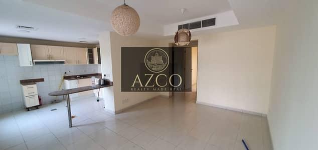 فیلا 2 غرفة نوم للايجار في الينابيع، دبي - Full Lake view 2bedroom plus study with Affordable Price