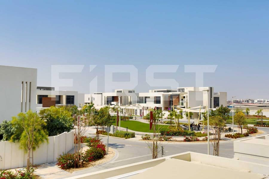 2 Experience Quality Living at an Extraordinary Villa