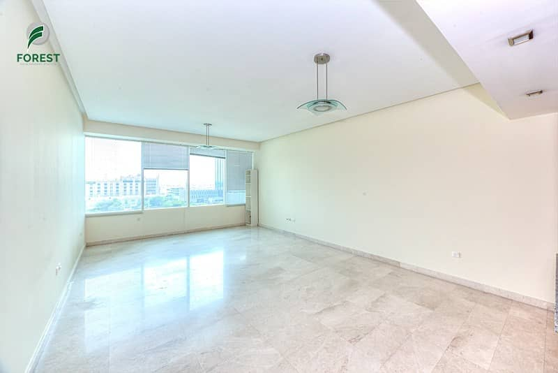 2 Spacious 1 BR with Park View | Well Maintained