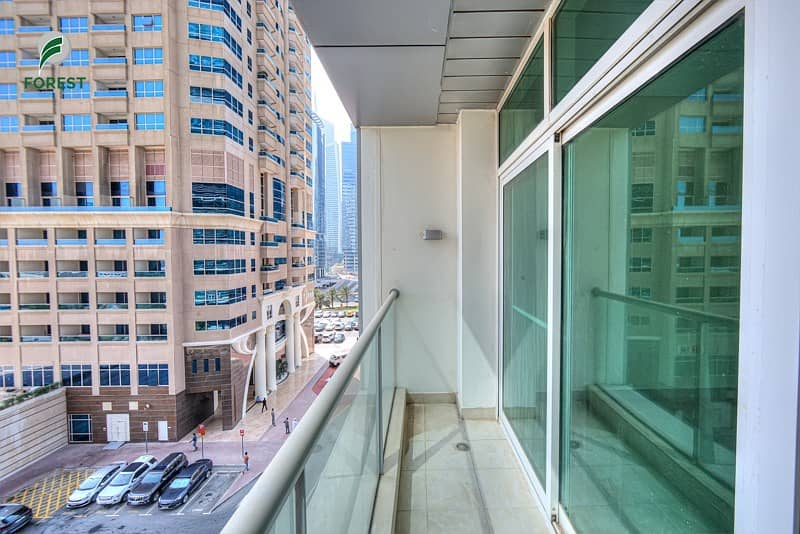 16 Spacious 1 BR with Park View | Well Maintained