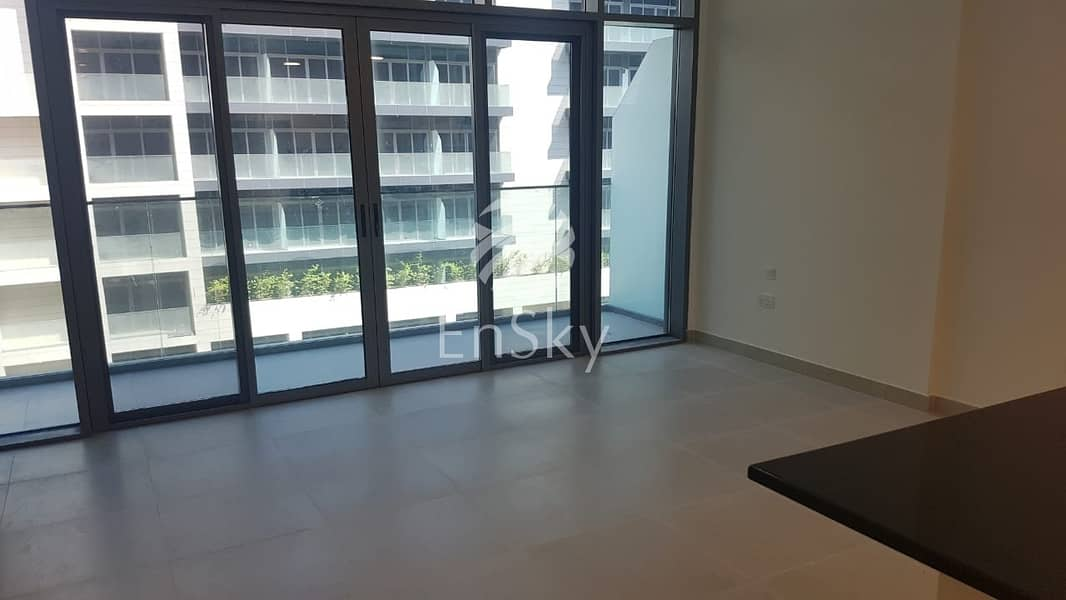 Brand new!! spacious studio with balcony