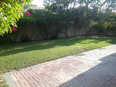 4 Bedroom Villa for Rent in The Meadows, Dubai - 4