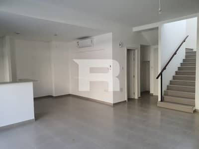 3 Bedroom Townhouse for Rent in Town Square, Dubai - 3 BHK + maids| Community View and Ready