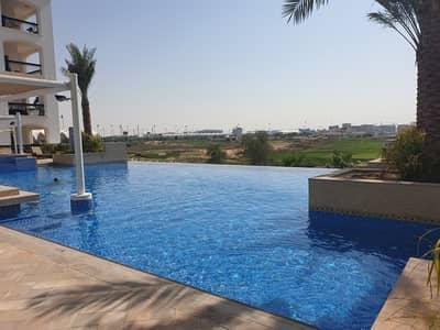 شقة 2 غرفة نوم للبيع في جزيرة ياس، أبوظبي - Great Price! Amusing 2BR + Maid's Room & Golf View
