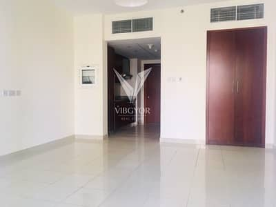 Studio for Rent in Downtown Dubai, Dubai - Standpoint at Downtown- Studio-Vacant and Ready