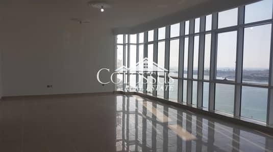 فلیٹ 4 غرف نوم للايجار في الخالدية، أبوظبي - Live the Good Life: Breathtaking 4-BR Duplex  with Full Sea View