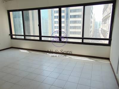 شقة 4 غرفة نوم للايجار في منطقة النادي السياحي، أبوظبي - Spacious 4 Bedrooms with built in wardrobes in TCA