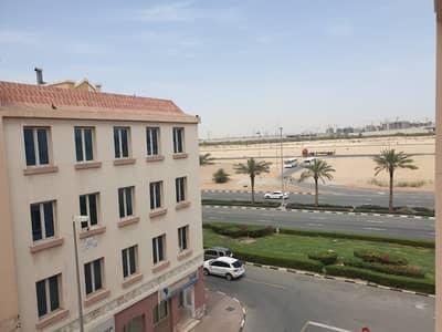 فلیٹ 1 غرفة نوم للايجار في المدينة العالمية، دبي - شقة في طراز إنجلترا المدينة العالمية 1 غرف 33000 درهم - 4387527
