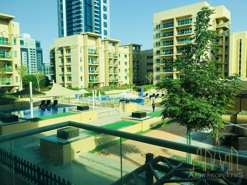 2Br Fully Furnished with Pool View - Vacant