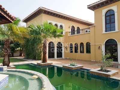 Luxurious large private Villa with pool