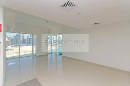 1 Bedroom Flat for Sale in Business Bay, Dubai - Burj and Canal View | AC / Gas Free | White Goods