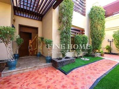 فیلا 5 غرف نوم للبيع في حدائق الجولف في الراحة، أبوظبي - Amazing 5 BR. Villa in Al Narjis . Golf Garden