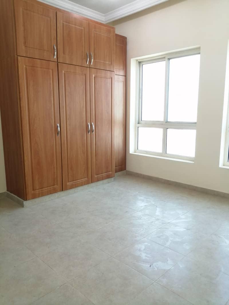 شقة في مدينة محمد بن زايد 3 غرف 72000 درهم - 4388893