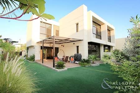 فیلا 4 غرف نوم للبيع في داماك هيلز (أكويا من داماك)، دبي - Upgraded | Four Bedrooms | Close to Pool