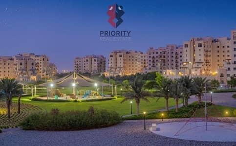 Studio for Rent in Remraam, Dubai - Affordable Apartments Serene Community