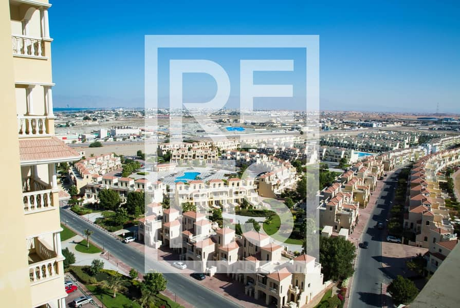 Lagoon View Apartment in Al Hamra Village
