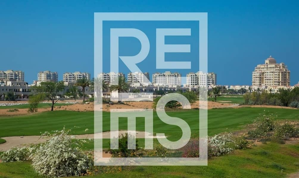 10 3BR Townhouse with stunning Golf View for Sale