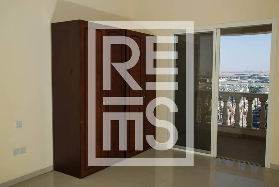 2 High Floor Studio with magnificent Lagoon View