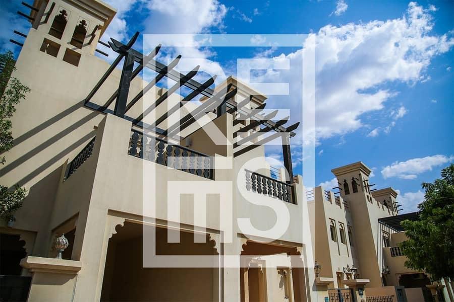2 Spacious 3BR Villa with Golf View in Al Hamra Village