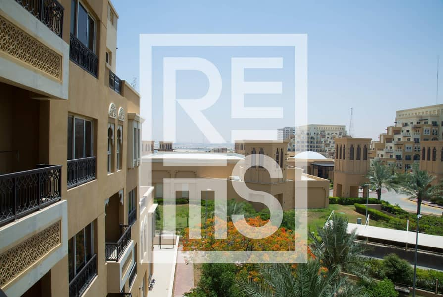 6 Stunning BR in The Bab Al Bahr Residences