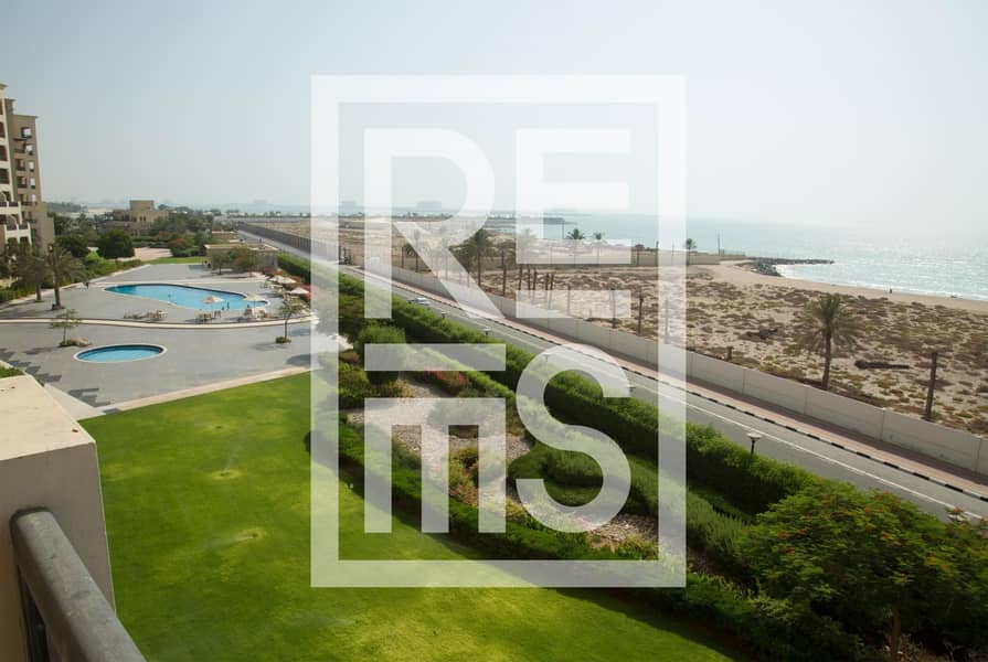 2 Magnificent Sea View Studio in the Marina Residences