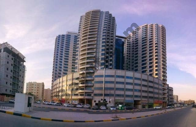 /BIGGEST!! SEA VIEW 3 BHK BEAUTIFUL WITH 3 BALCONY AND STORE IN FALCON TOWER