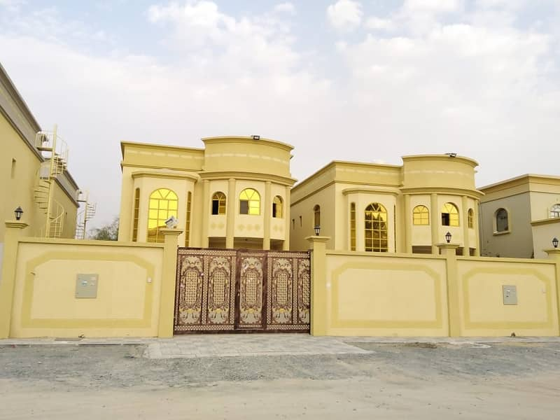 From the owner directly / For sale Villa 5 bedrooms very modern design in Ajman