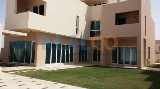 فیلا 5 غرفة نوم للايجار في واجهة دبي البحرية، دبي - Canal view 4 chqs 5 Br villa