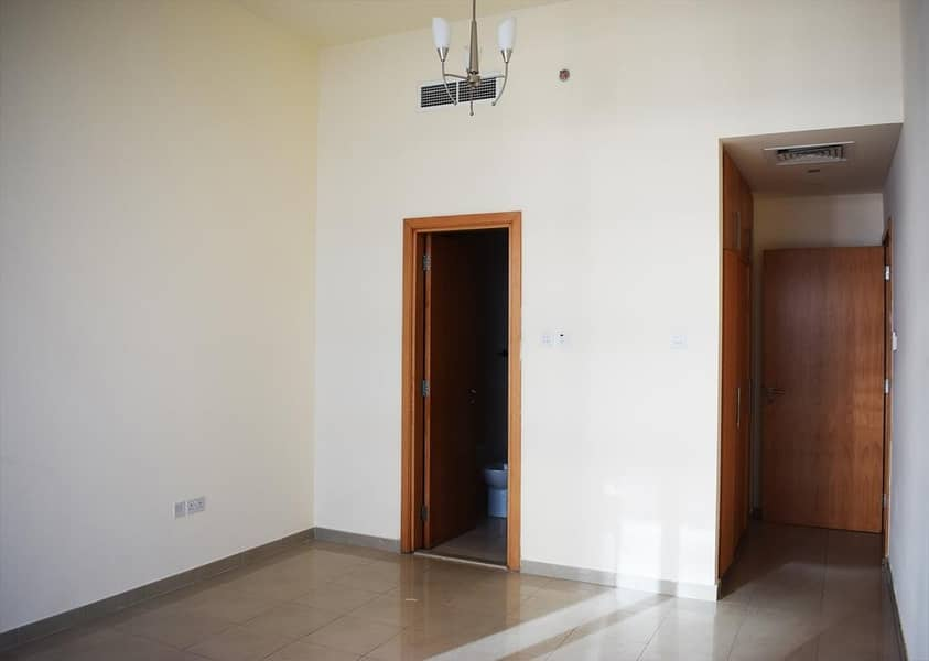 2 Special Offer >>Unfurnished Mountain View 1 BHK Apartment in Julphar Tower